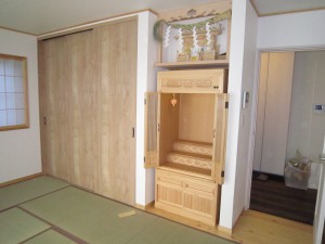ひのき材3尺タイプ「開き戸」神棚あり